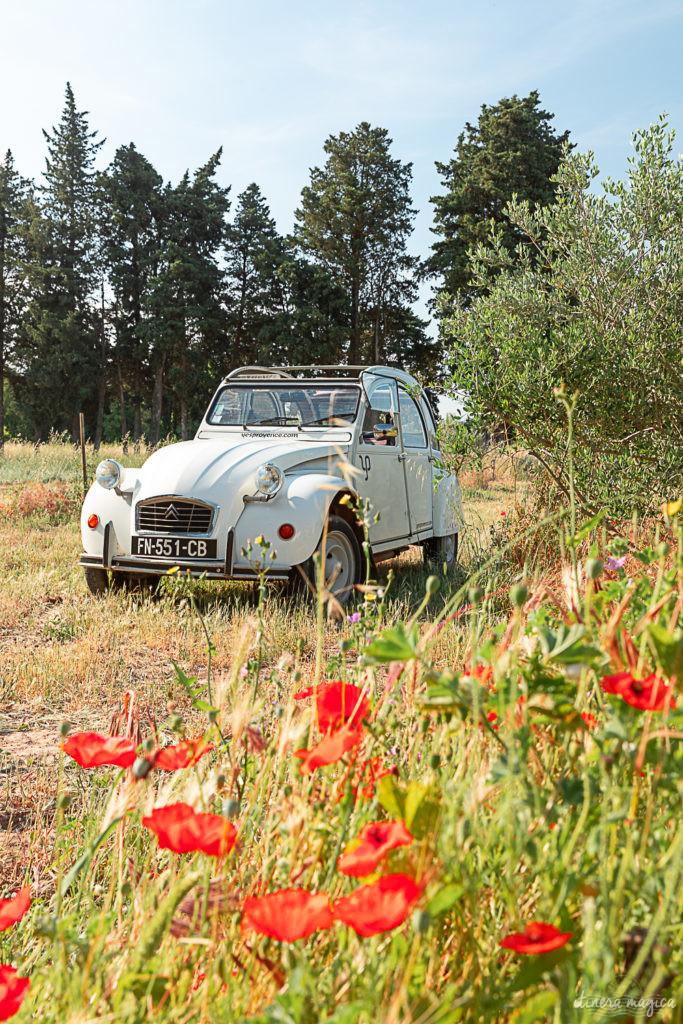 Road trip rétro en voiture ancienne dans les Alpilles : que voir dans les Alpilles ? Explorer les Alpilles en 2 CV