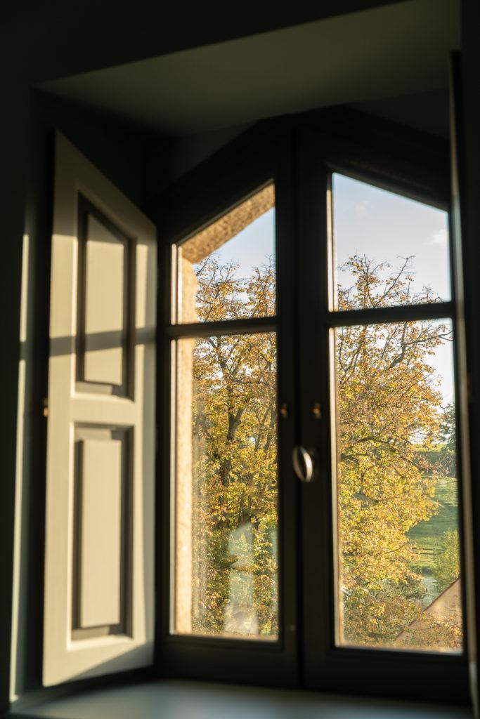 Découvrez la Bourgogne en automne : la roche de Solutré, Fontenay, Vézelay, Bussy-Rabutin, Châteauneuf en Auxois. Bonnes adresses en Bourgogne