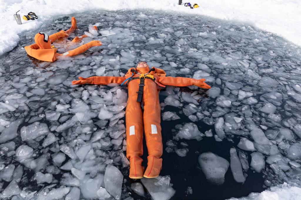 ice floating tignes