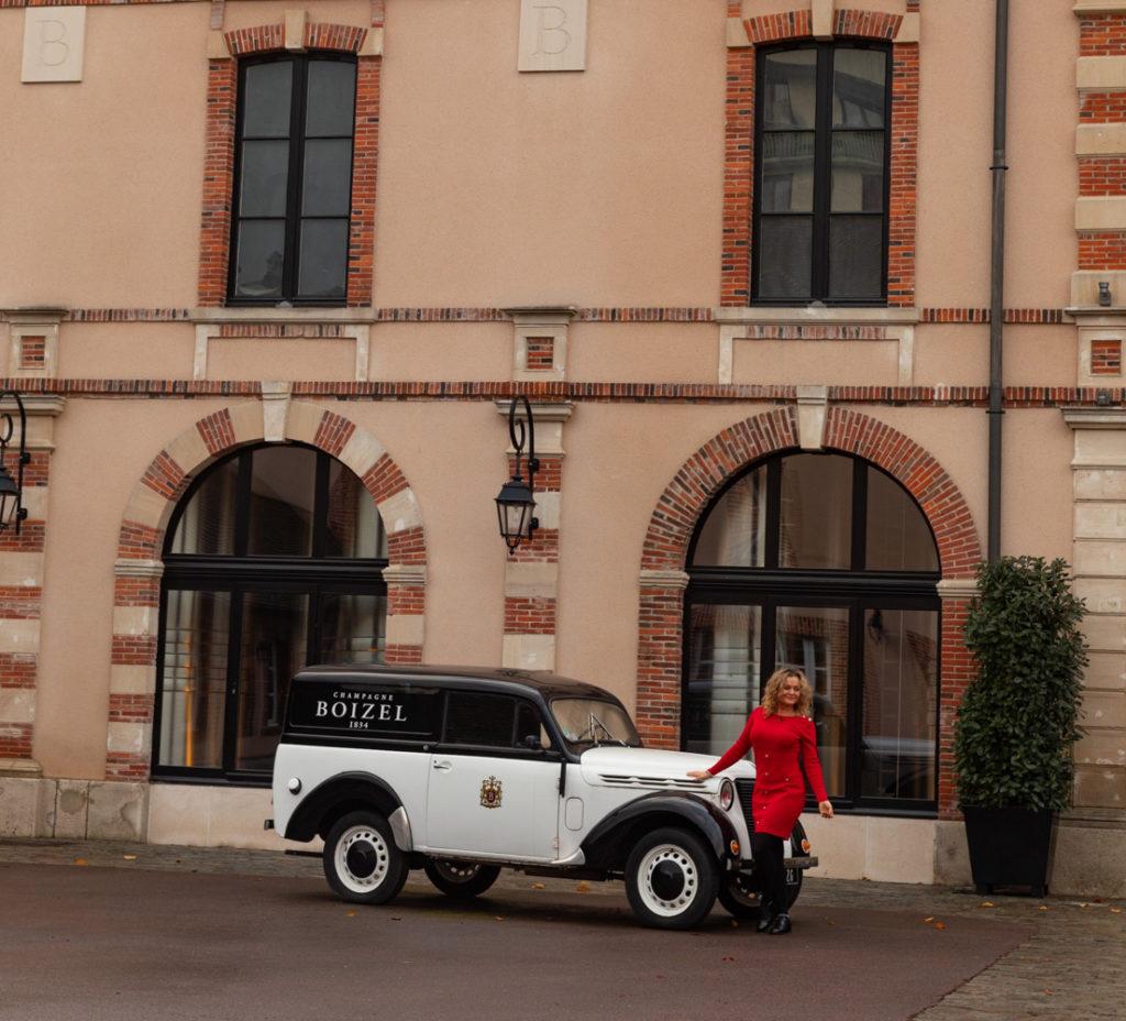 Visiter la Champagne entre automne et Noël : l'allée du champagne à Epernay, les maisons de champagne, Hautvillers, le marché de Noël de Reims, bonnes adresses à Reims...